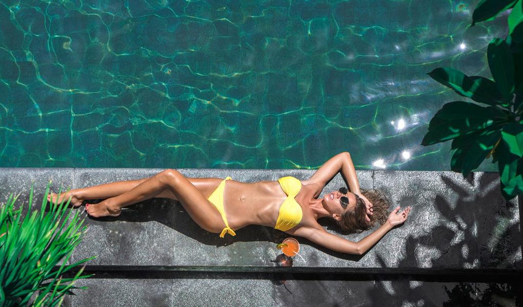 Kostiumy kąpielowe: nowości i hity sprzedażowe