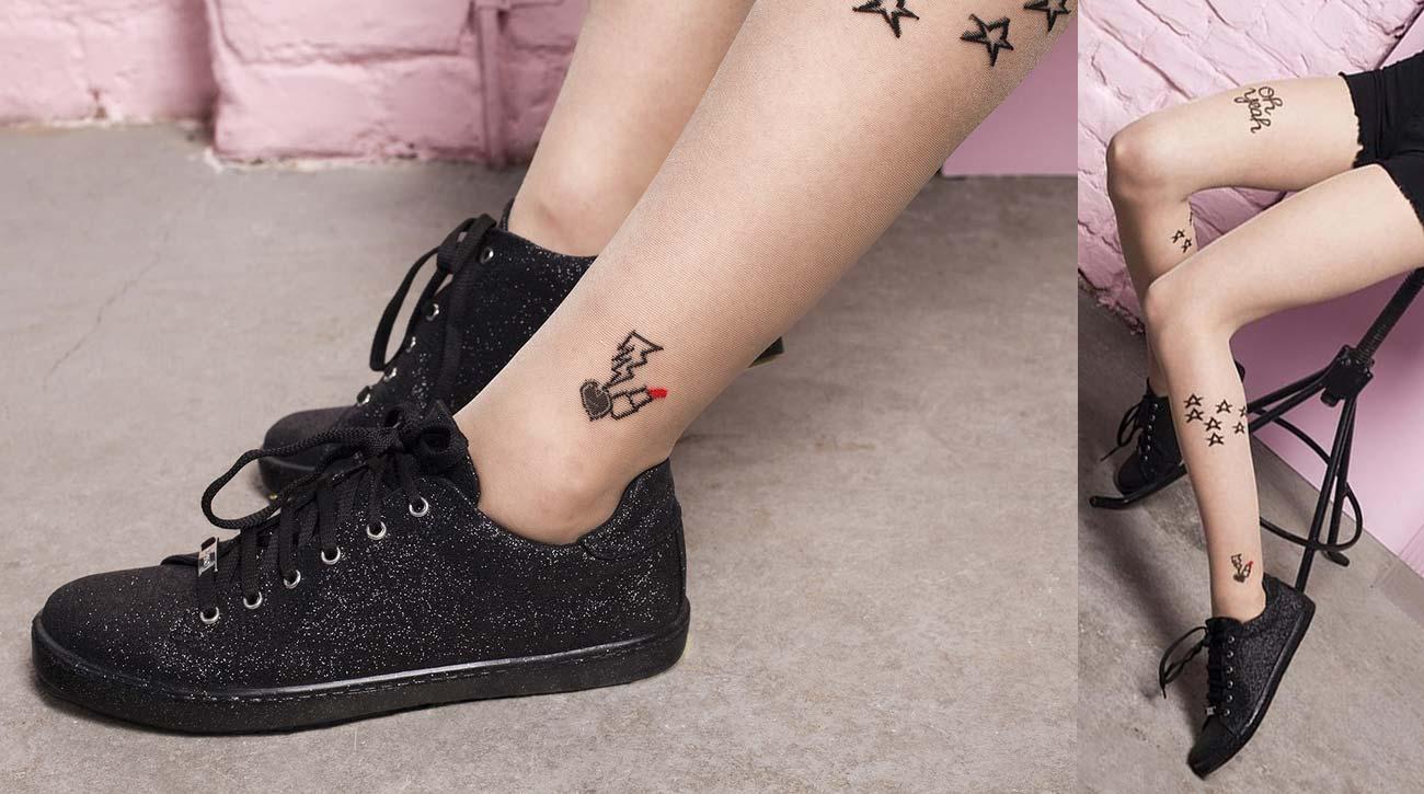 Rajstopy z imitacją tatuażu - na kostce szminka, na łydce gwiazdki
