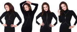 Prosta czarna sukienka ozdobiona długimi łańcuszkami wygląda bardzo elegancko